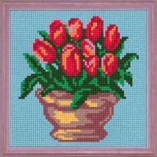 A18 Букет червоних тюльпанів. Чарівниця. Канва з нанесеним малюнком