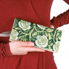C222 Завитки троянд. Клатч. Набір для вишивання та шиття