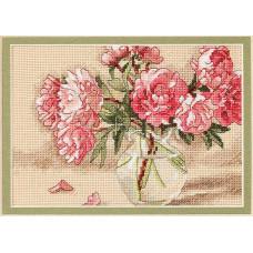 4329 Квіти у вазі. Classic Design. Набір для вишивання нитками