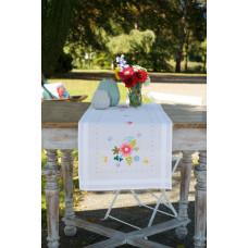 PN-0175588 Весняні квіти і метелики. Доріжка на стіл. Vervaco. Набір для вишивки гладдю
